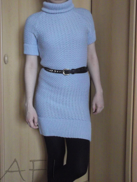 Light blue knitted dress - Front view