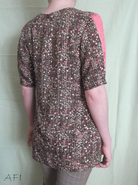 Spring blouse - Back view