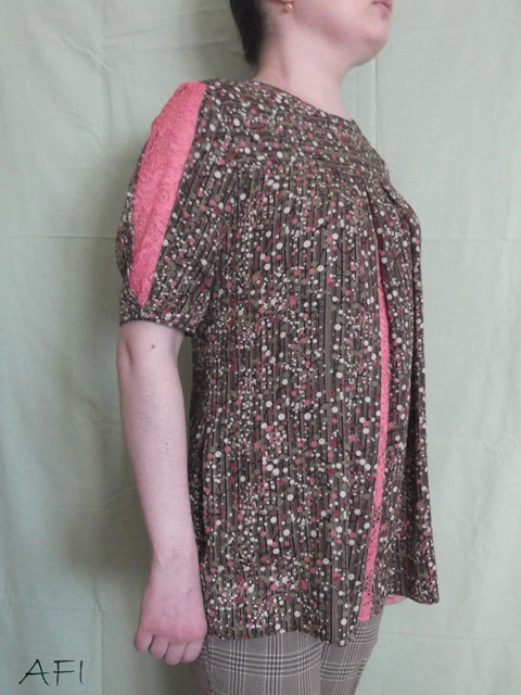 Spring blouse - Side view