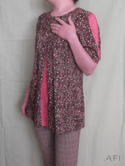 Cotton blouse - Lace details