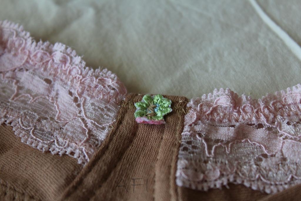 Nude bra - Flower embellishment
