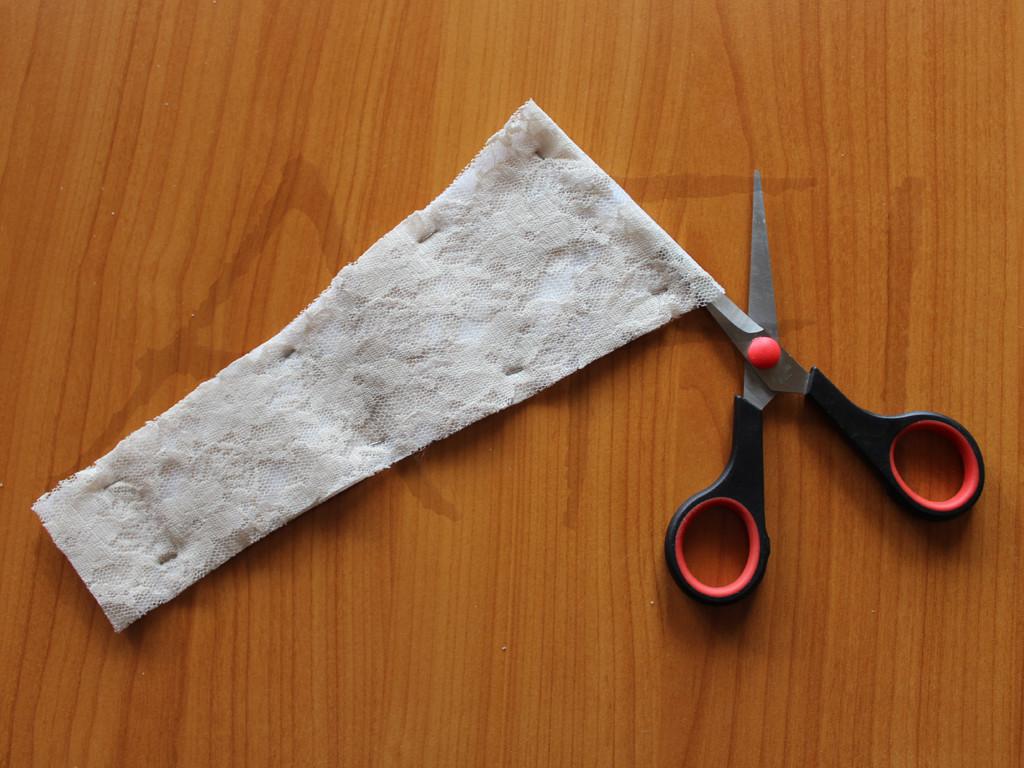 Maya Bra Cutting lace