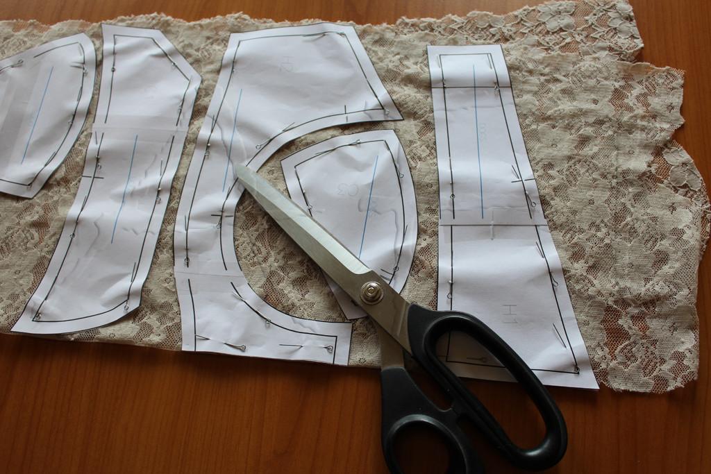 Maya Bra pinning lace