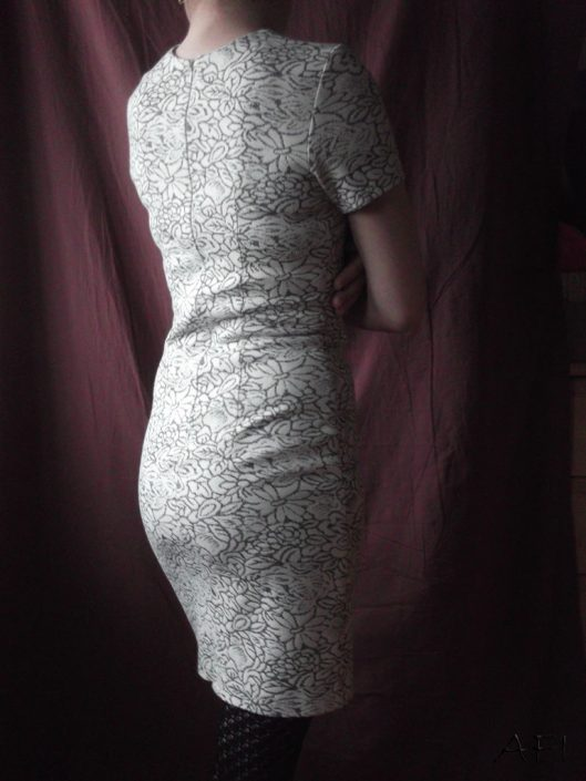 hourglass dress back