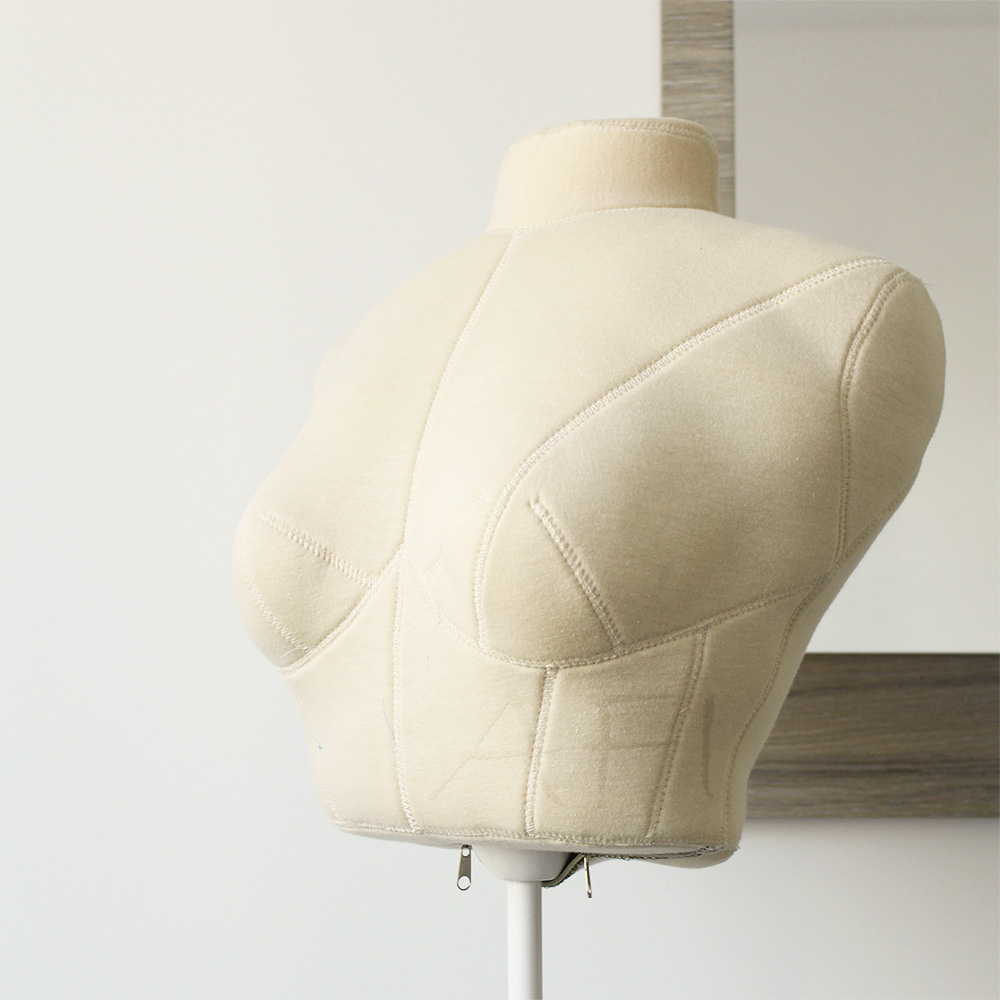 Bust Form by Afi Atelier